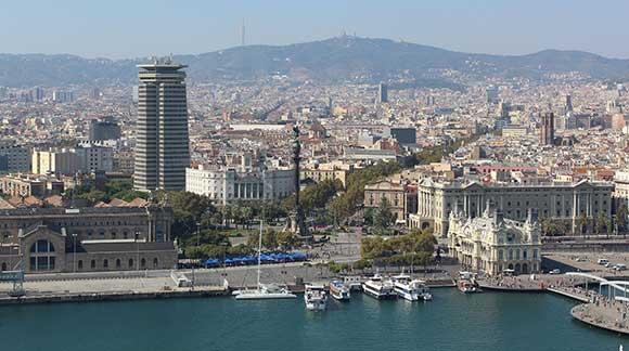 Barcelona teve intervenções bem-sucedidas que reverteram a degradação da área central da cidade