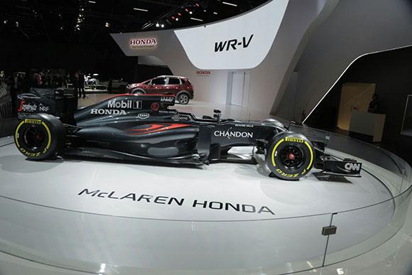 Além de mostrar seus lançamentos, a Honda aproveita o momento de Formula 1 em SP para mostrar sua parceria com a Mc Laren
