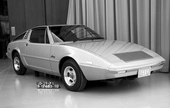 10-Mustang-Estúdio-Ghia-1971